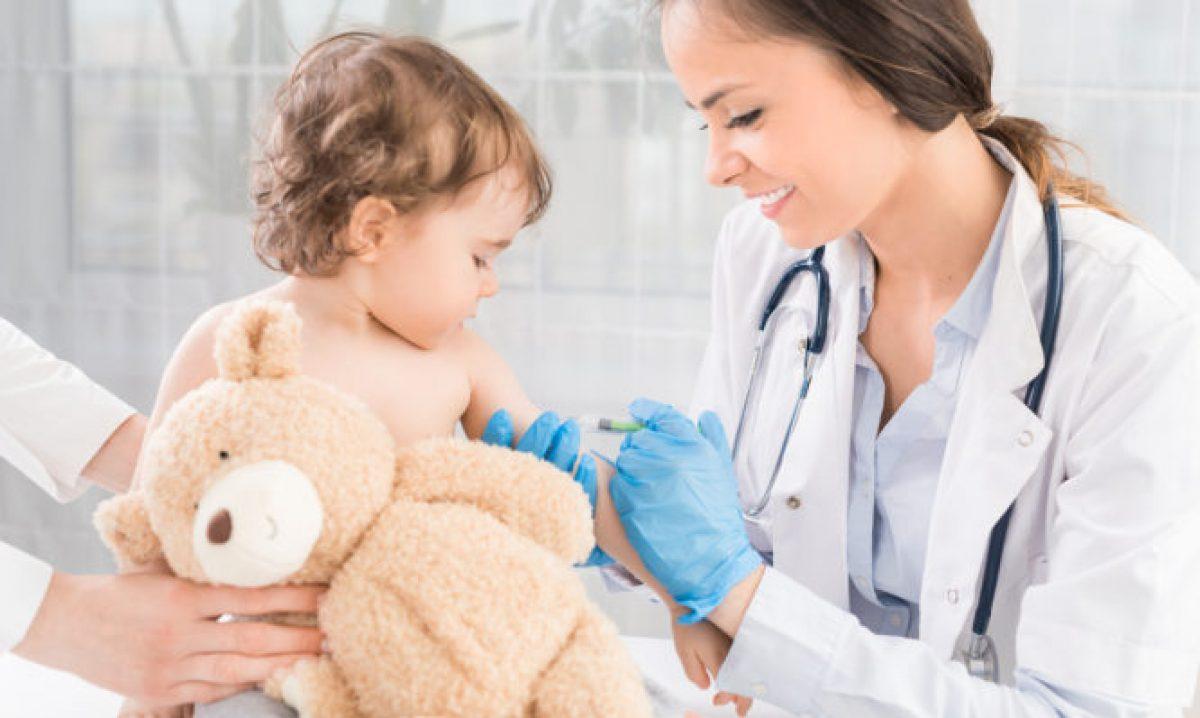 Ο κορωνοϊός απειλεί τους εμβολιασμούς των παιδιών, προειδοποιεί ο Παγκόσμιος Οργανισμός Υγείας