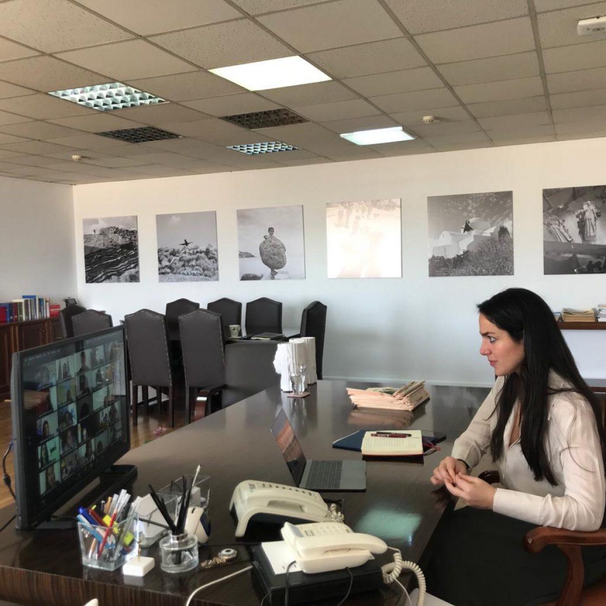Υιοθεσίες και αναδοχές: Ξεκινούν τα εκπαιδευτικά σεμινάρια, επιταχύνεται η διαδικασία εντός πανδημίας
