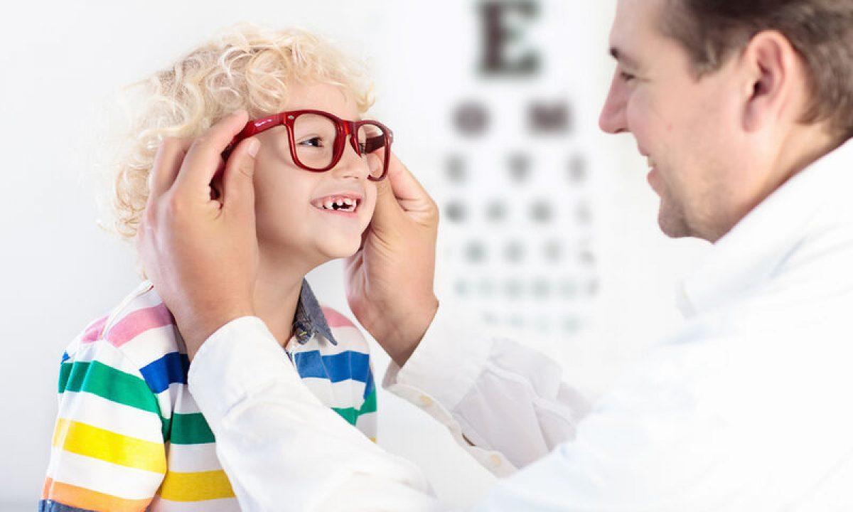 Παιδιά και προβλήματα όρασης: Δείτε τι ισχύει ανάλογα με την ηλικία