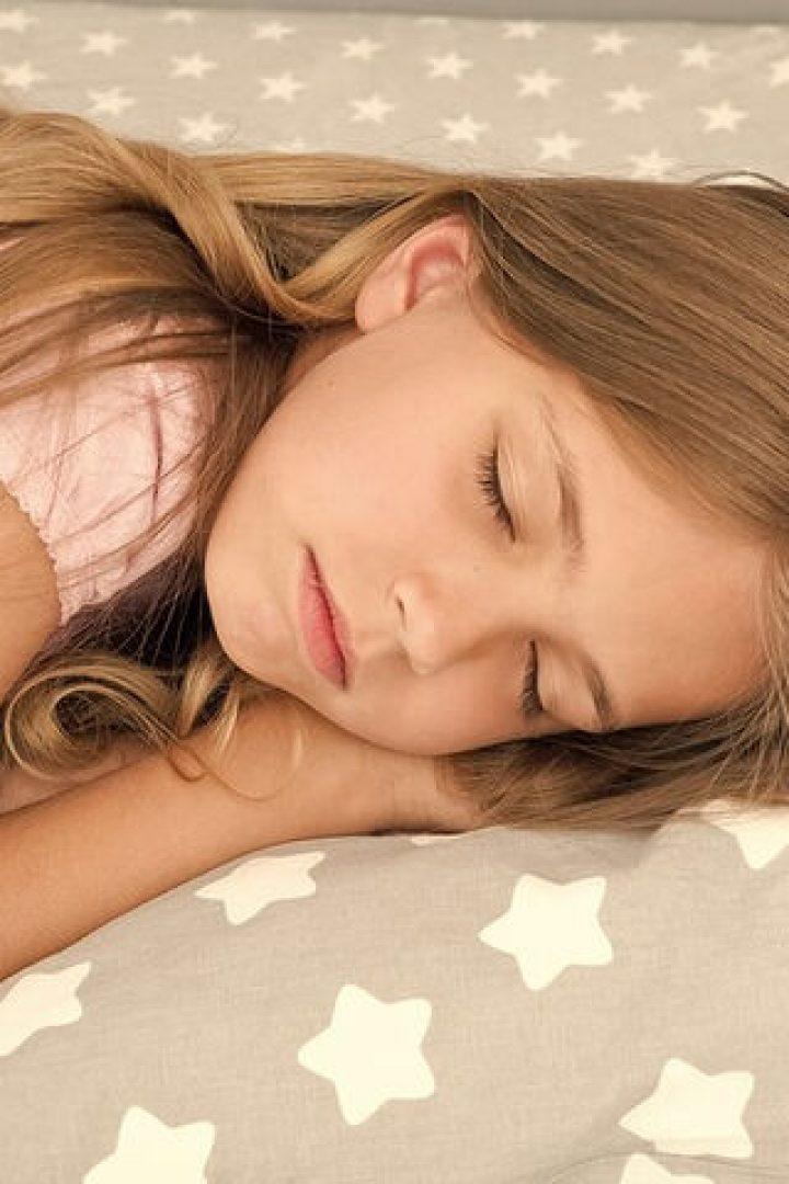 Ροχαλητό στα παιδιά: Πότε πρόκειται για επικίνδυνη αποφρακτική άπνοια ύπνου;