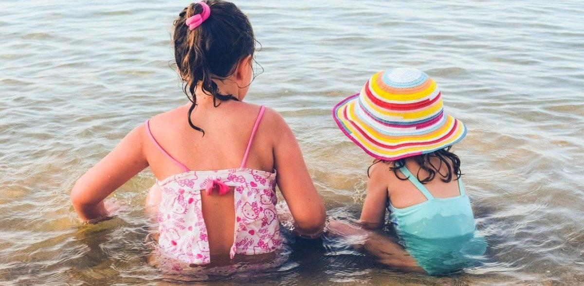Παιδί και θάλασσα: Tα SOS για να αποφύγετε τις παγίδες του καλοκαιριού