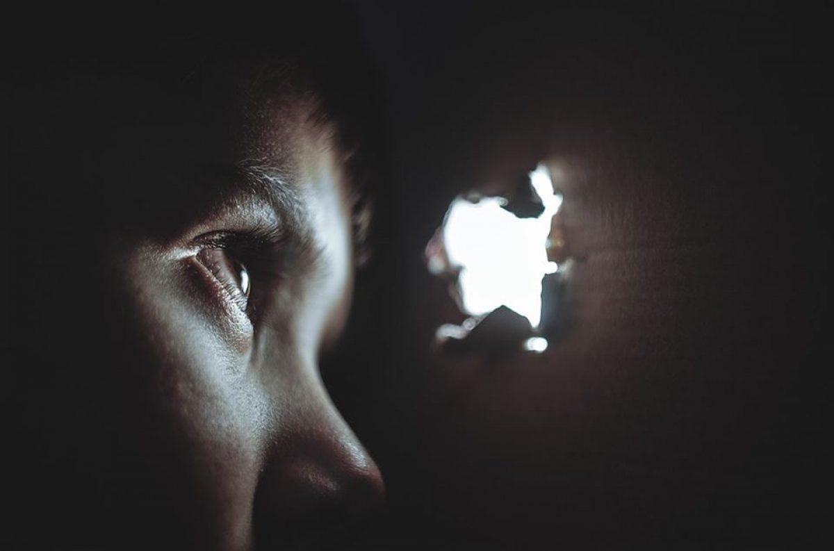 ΟΧΙ πια απλοί θεατές σε περιστατικά κακοποίησης ανηλίκων – Πώς θα προστατέψουμε τα παιδιά (audio)