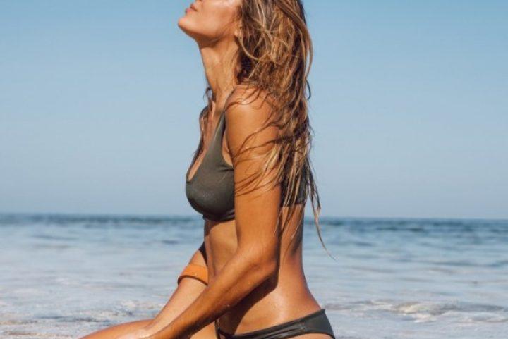 Τέλειο μαύρισμα και λαμπερό σώμα; Μάθαμε τα top μυστικά από την expert της ομορφιάς