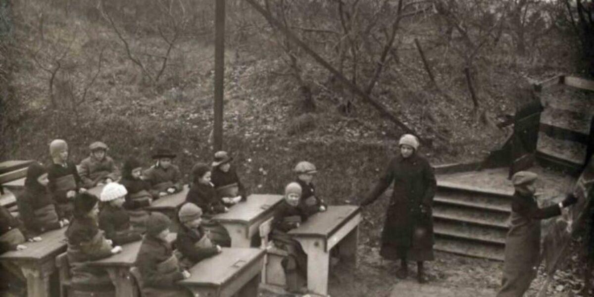 Πώς τα σχολεία έγιναν υπαίθρια στην πανδημία της φυματίωσης