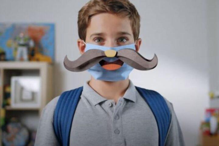 Η καμπάνια της ΓΓΠΠ: Οι μάσκες που χαμογελούν όπως αυτοί που αγαπάς – Βίντεο