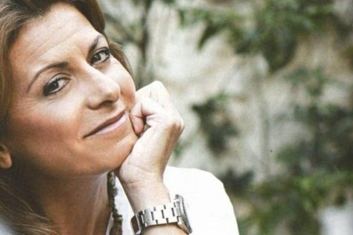 Μάγια Τσόκλη Για Τον Καρκίνο: «Κάποιος Σου Λέει, Ψιτ, Εσύ Που Βρίσκεσαι Στην Ομάδα Των Ζωντανών, Από Δω Παρακαλώ»