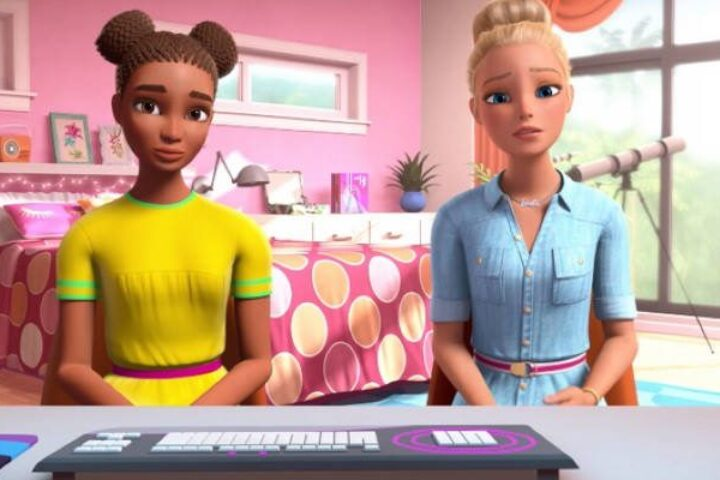 Η Barbie και η Nikki μιλούν στα παιδιά για τον ρατσισμό σε ένα viral βίντεο