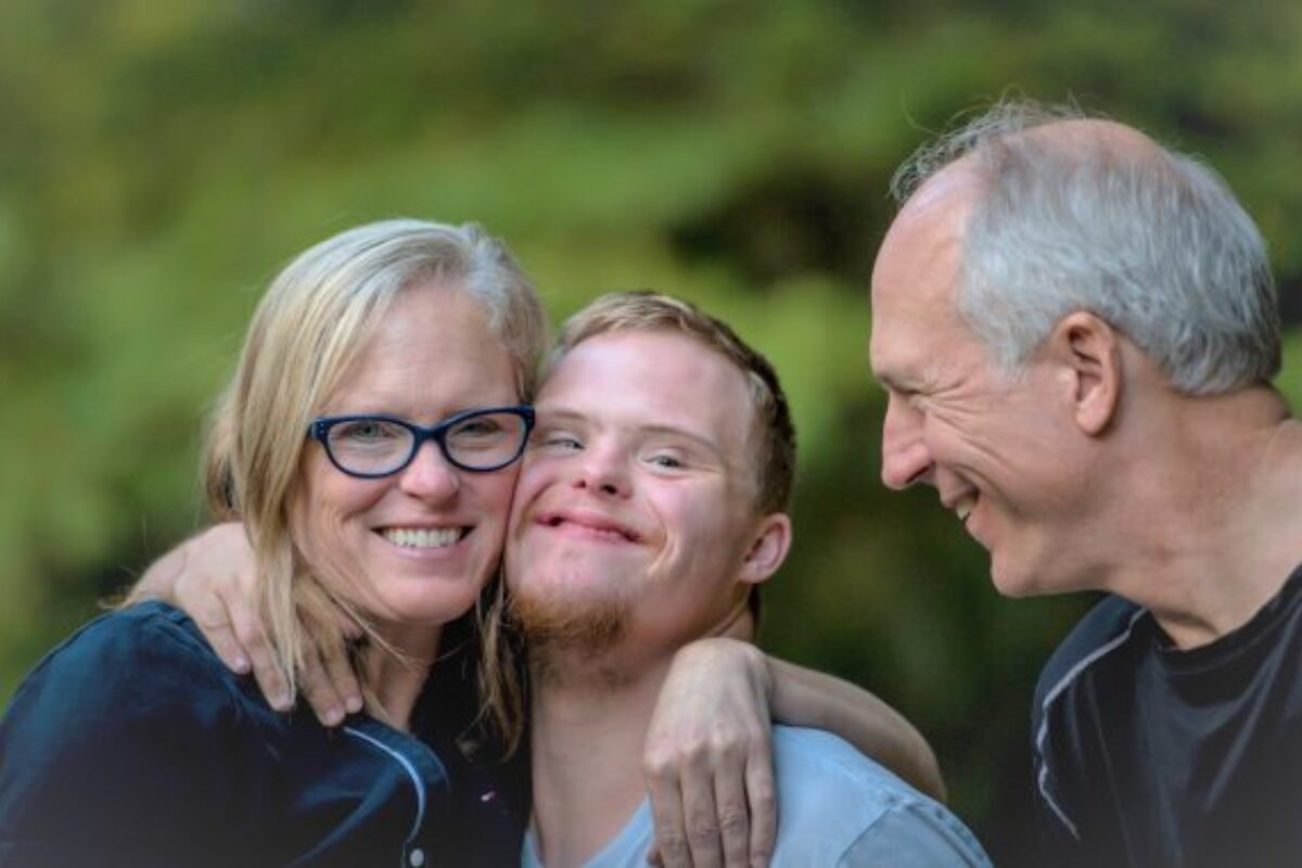 Οι χειρότερες «αθώες» φράσεις και σχόλια που πληγώνουν τους γονείς παιδιών με το Σύνδρομο Down