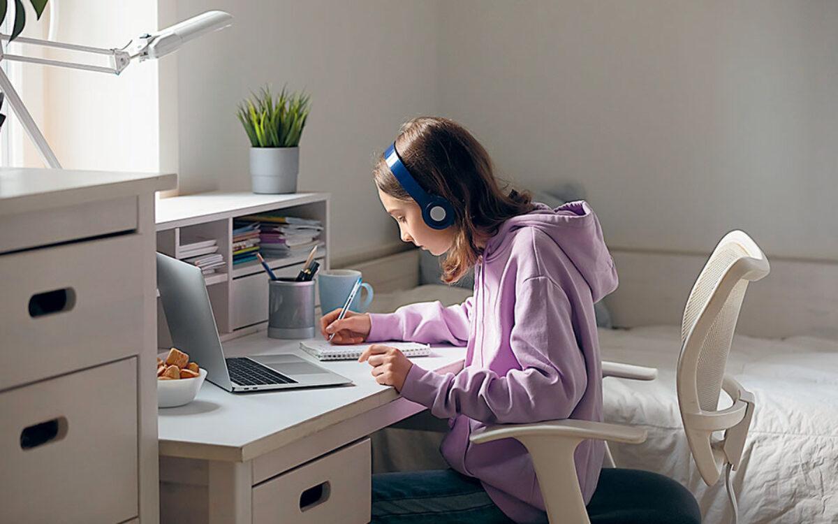 Τα θλιμμένα παιδιά της τηλεκπαίδευσης