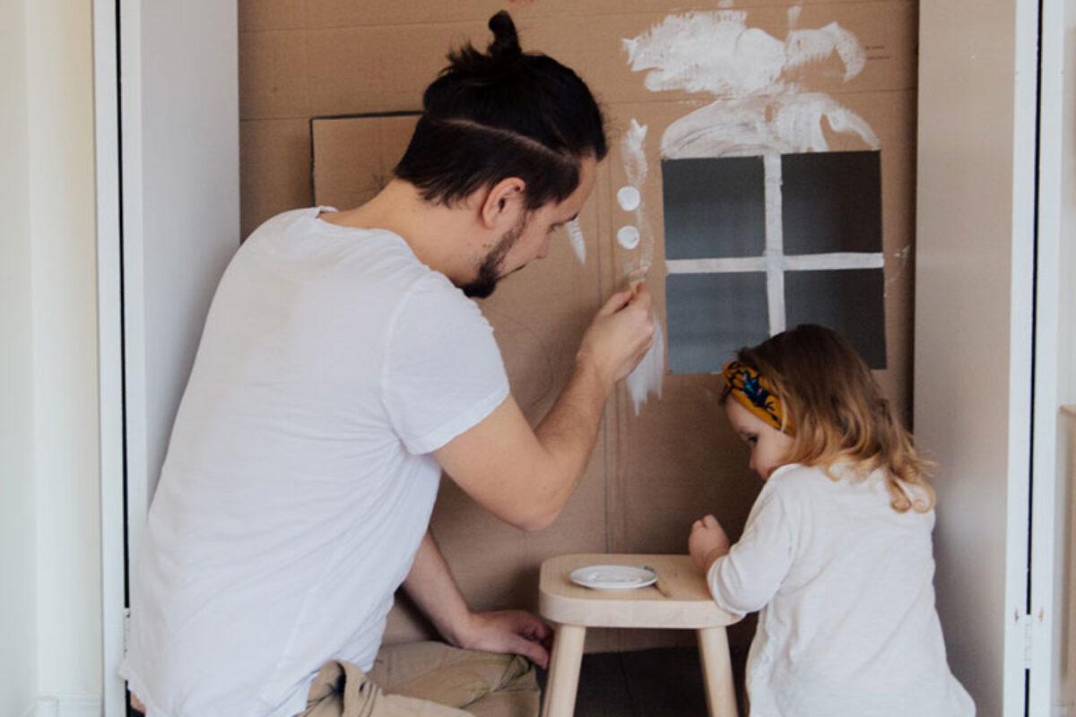 Το παιχνίδι με τον μπαμπά βελτιώνει τον αυτοέλεγχο του παιδιού