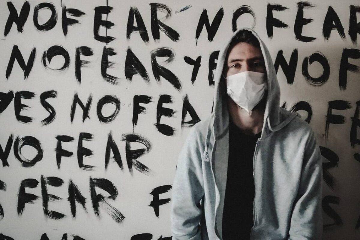 Κορονοϊός: Lock ναι, down όχι – Ψηλά το κεφάλι