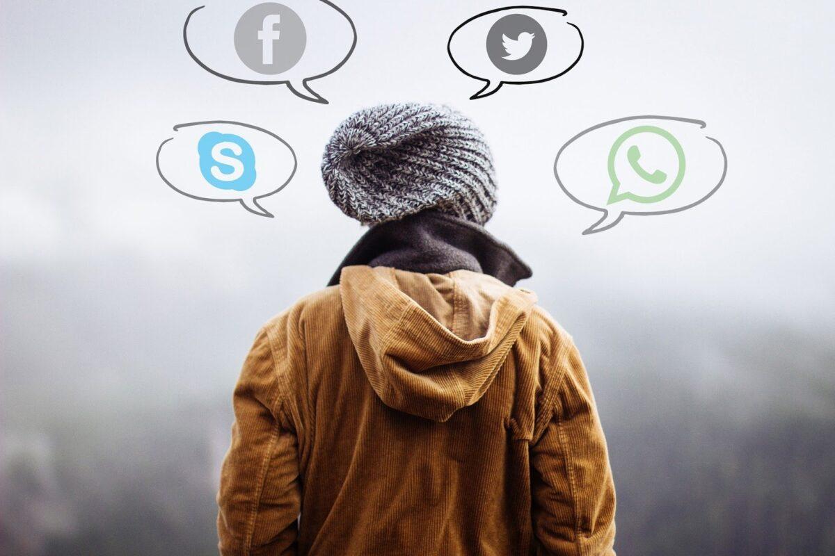 Πως η υπερβολική χρήση των Μέσων Κοινωνικής Δικτύωσης μειώνει τις κοινωνικές μας δεξιότητες
