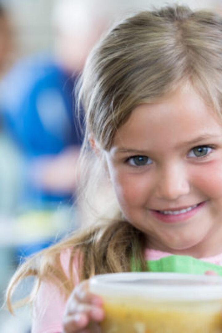 Όχι στα μικροκύματα και στο πλυντήριο πιάτων τα πλαστικά τάπερ με το φαγητό των παιδιών