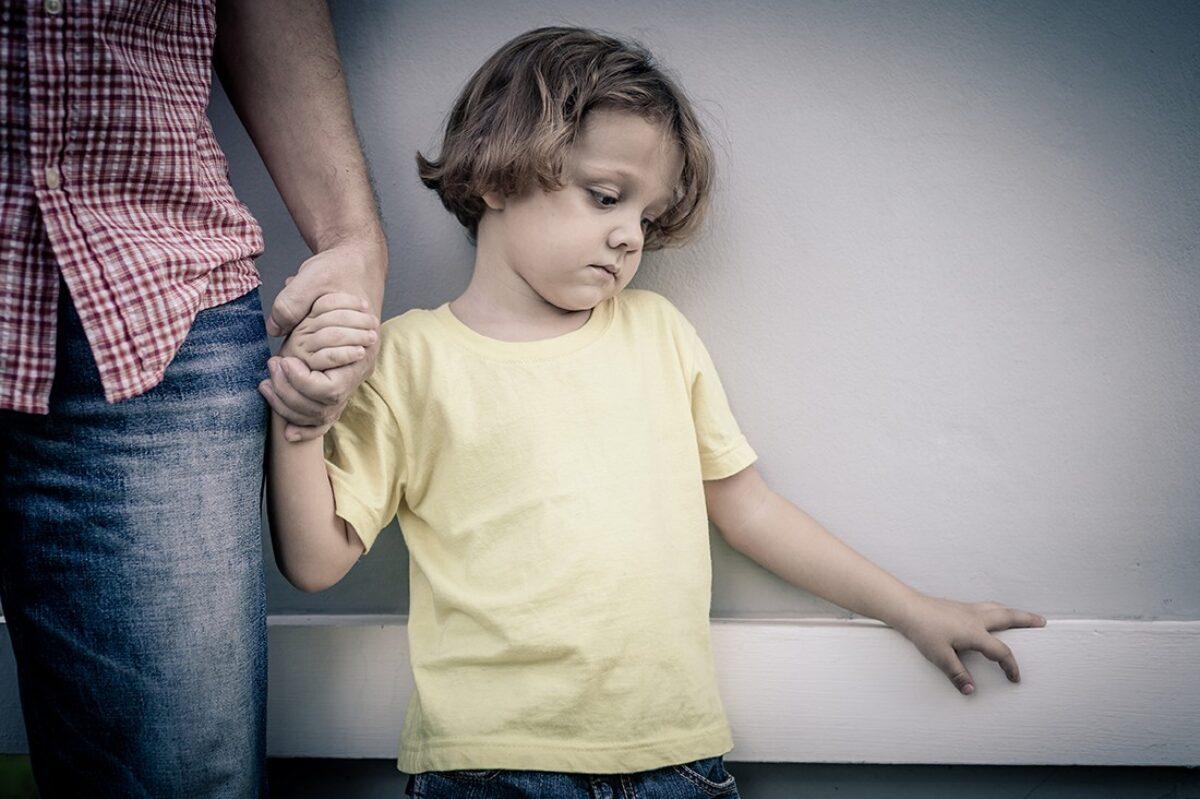 Σεξουαλική Παρενόχληση: Πώς μιλάμε για αυτό το ευαίσθητο θέμα στα παιδιά