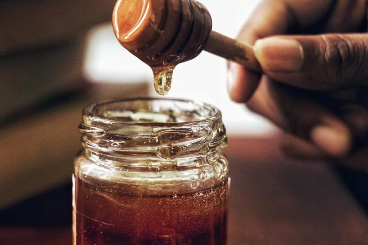 Η απάτη με το μέλι που δεν είναι μέλι