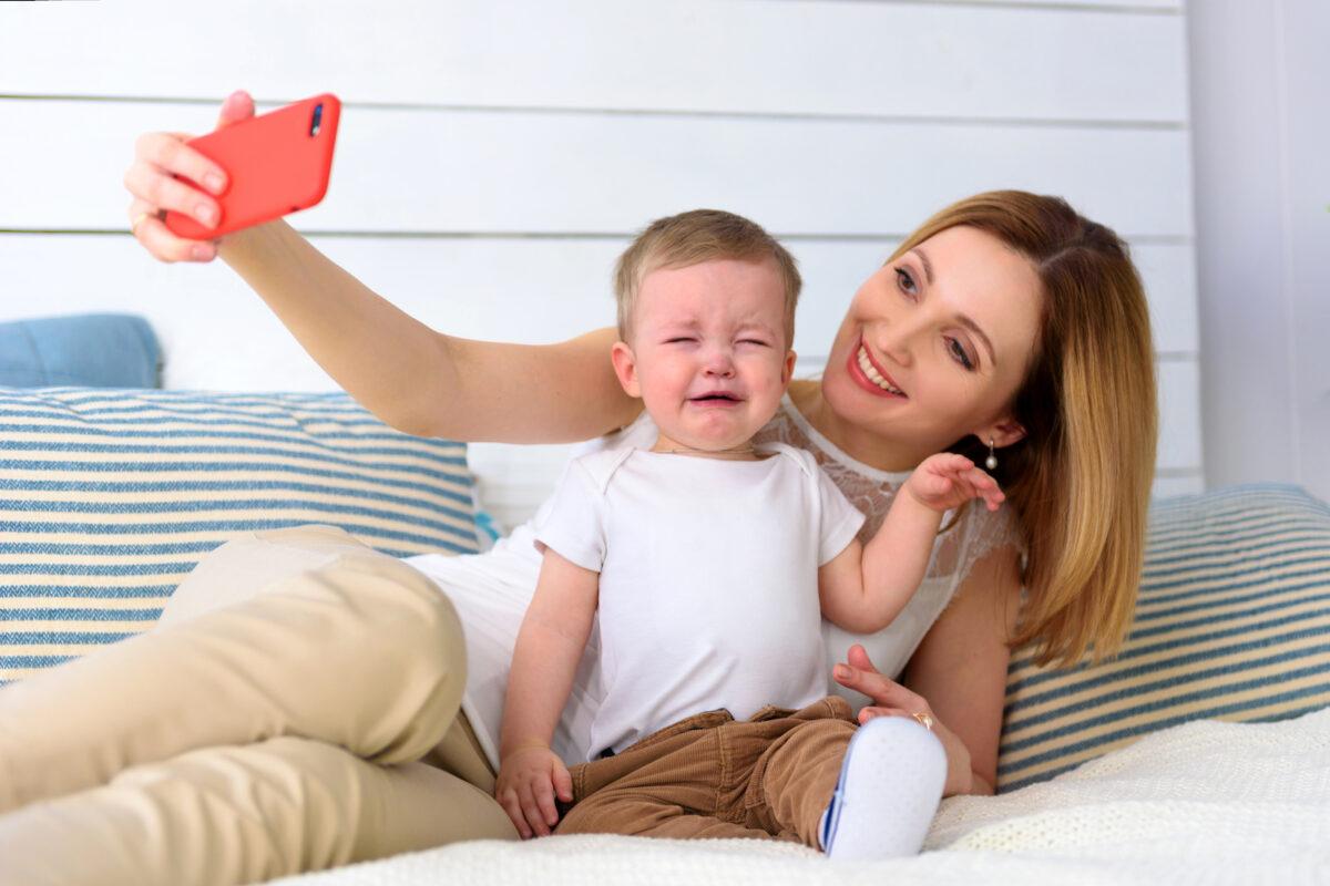 Sharenting: Γονείς, social media και υπερέκθεση των παιδιών