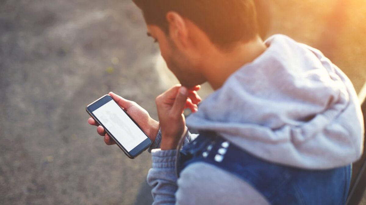 Νέος εθισμός ο στοιχηματισμός για τους έφηβους στη χώρα