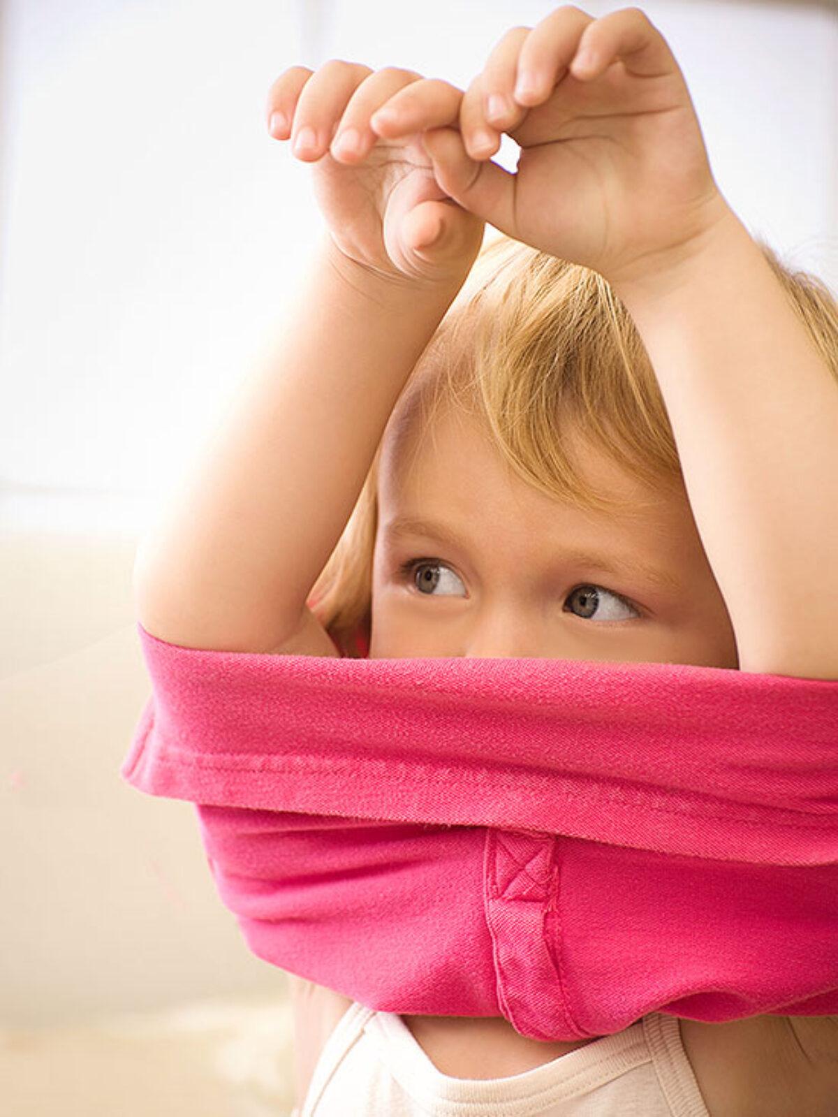 Πώς θα μάθει το παιδί να ντύνεται μόνο του;
