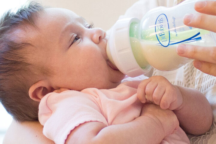 Πότε χορταίνει ένα μωρό;