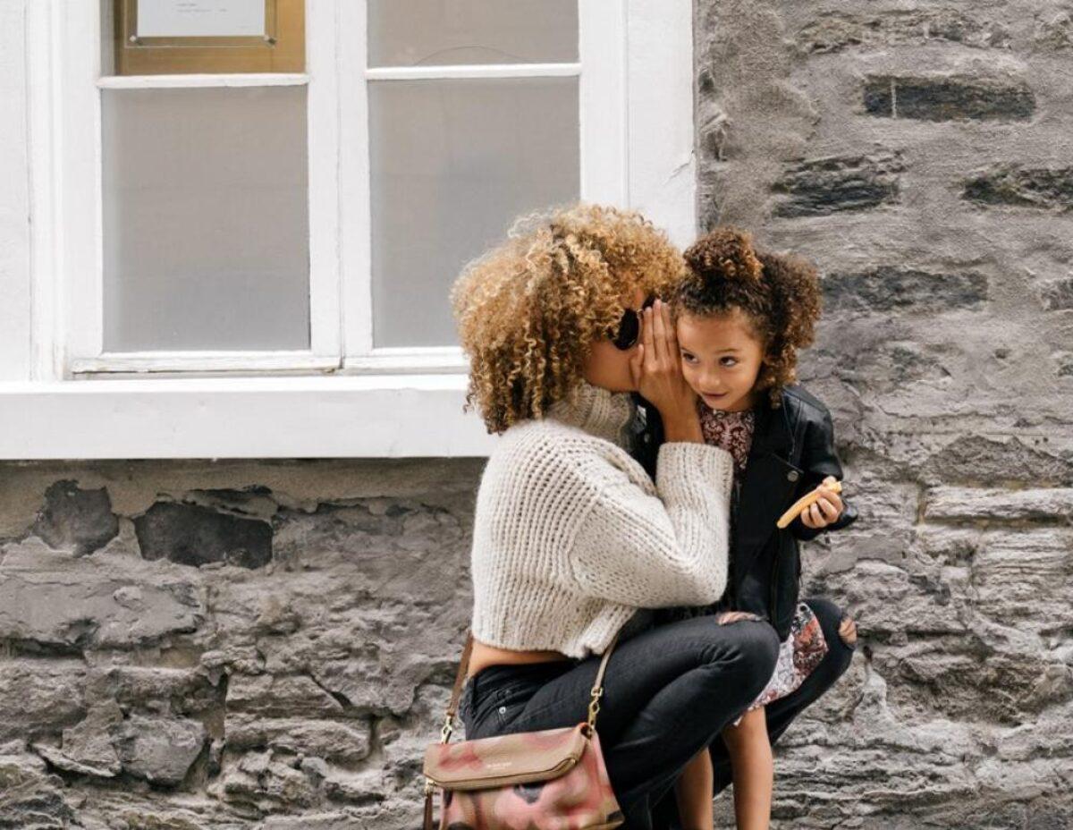 3 κοινές τακτικές που ακολουθούν οι χειριστικοί γονείς