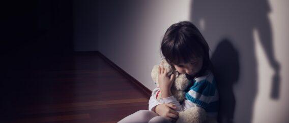 Η αγάπη έχει αξία μόνο όταν δεν αποτελεί έπαθλο. Παιδική κακοποίηση και παραμέληση.