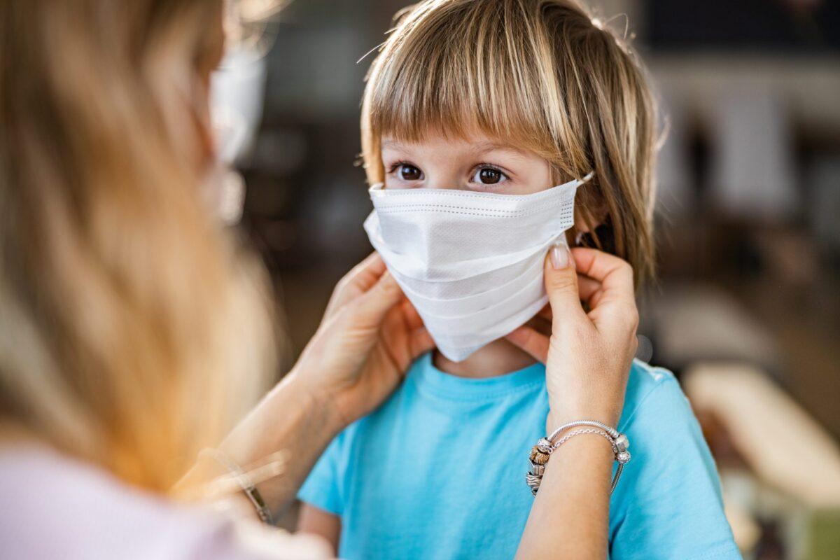 Δημιουργεί η μάσκα προβλήματα στα δόντια;