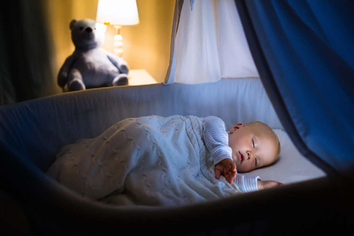 Λευκοί ήχοι για μωρά: Ποιοι είναι οι οικείοι ήχοι που τα ηρεμούν