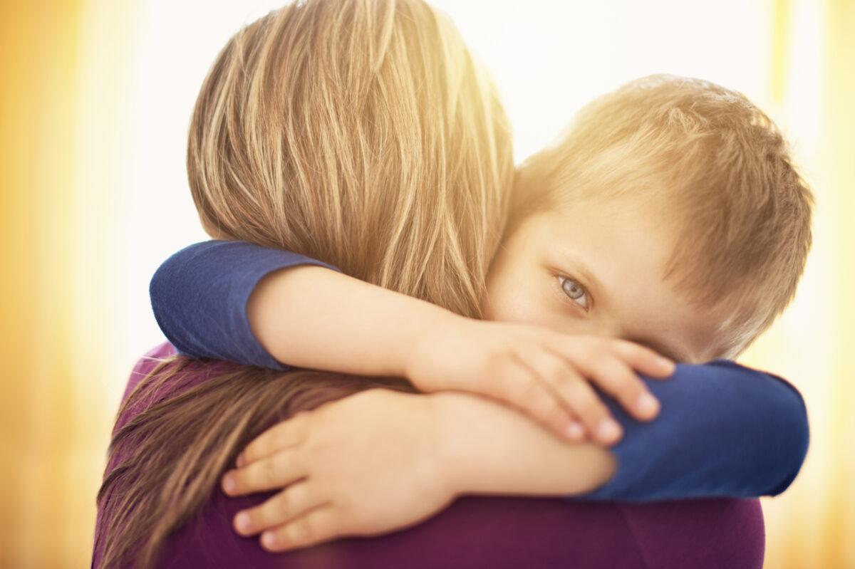 Κάποιος να σώσει τα παιδιά απ᾽τους γονείς τους.