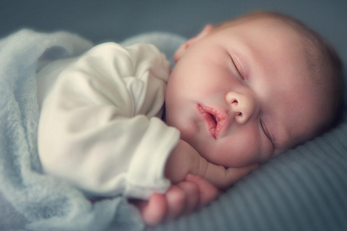 """Ποια είναι η σωστή ρουτίνα πριν τον ύπνο, ώστε το μικρό σου να κοιμηθεί σαν """"πουλάκι"""""""